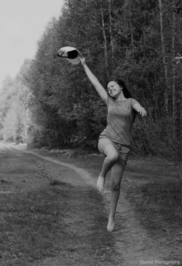 happy-girl-jump-blackandwhite